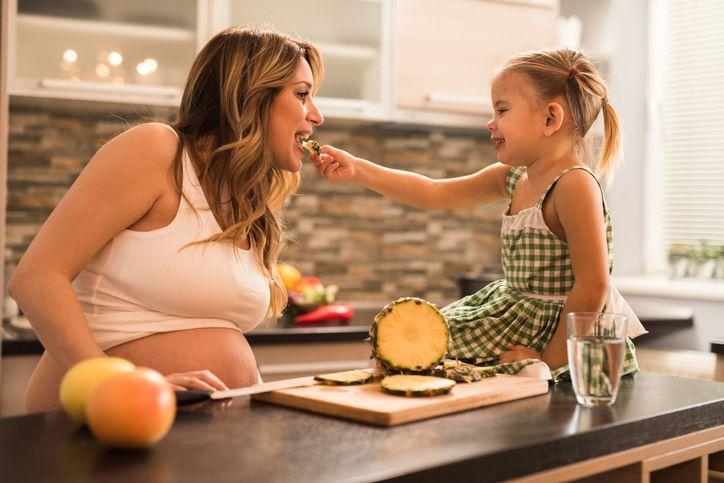 Ibu Hamil Dilarang Makan Nanas, Ternyata ini Alasannya