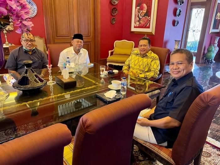 Bamsoet saat menerima Rektor Universitas Terbuka Prof. Dr. Ojat Darojat, di Jakarta