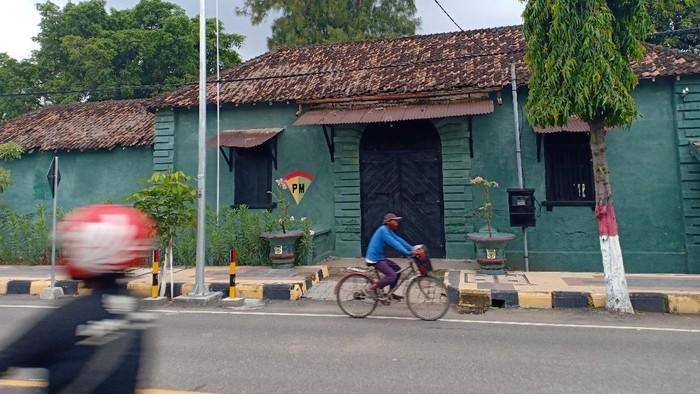 bangunan bekas penjara militer yang angker di Jalan Ahmad Yani.