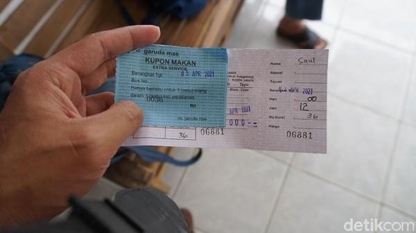 Perjalanan redaksi detiktravel kali ini adalah menjajal bus baru Garuda Mas. Bus bertipe eksekutif double decker (DD) ini melayani rute Blora-Jakarta. Tiketnya seharga Rp 250 ribu.