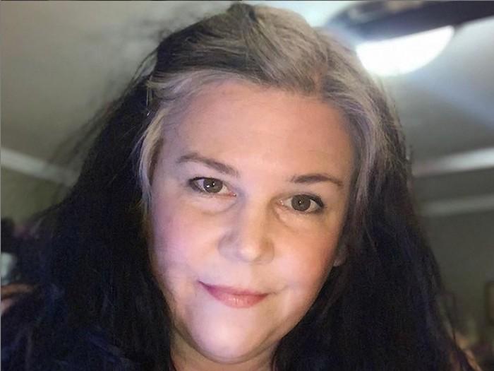 Emma Martin, wanita hobi kentut dapat penghasilan jutaan rupiah per bulan.