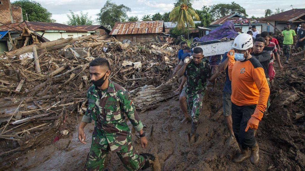 Update Korban Bencana Alam NTT-NTB: 165 Meninggal, 45 Hilang