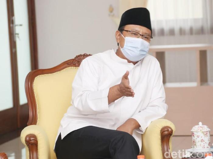 Wali Kota Pasuruan Saifullah Yusuf (Gus Ipul) akan menghentikan pemberian izin minimarket baru. Langkah itu diambil demi menjaga eksistensi UMKM.