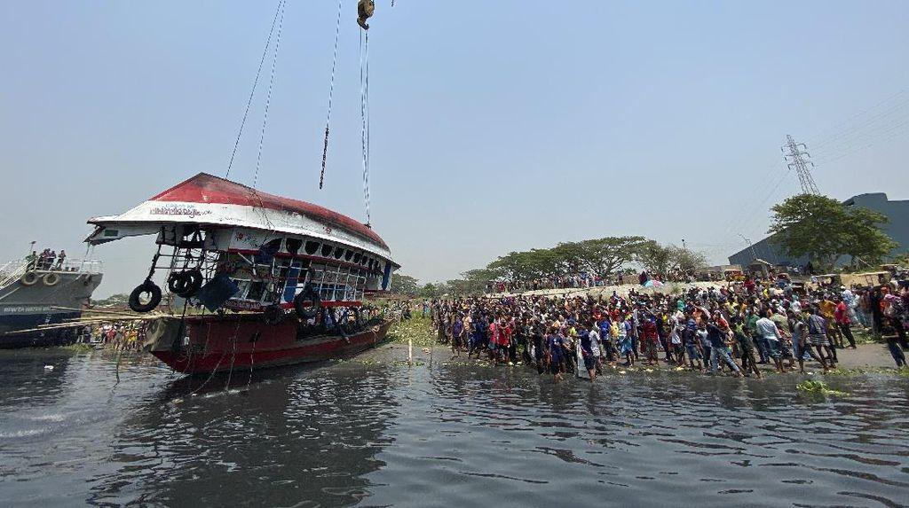 Kapal Feri di Bangladesh Tenggelam, 26 Orang Tewas