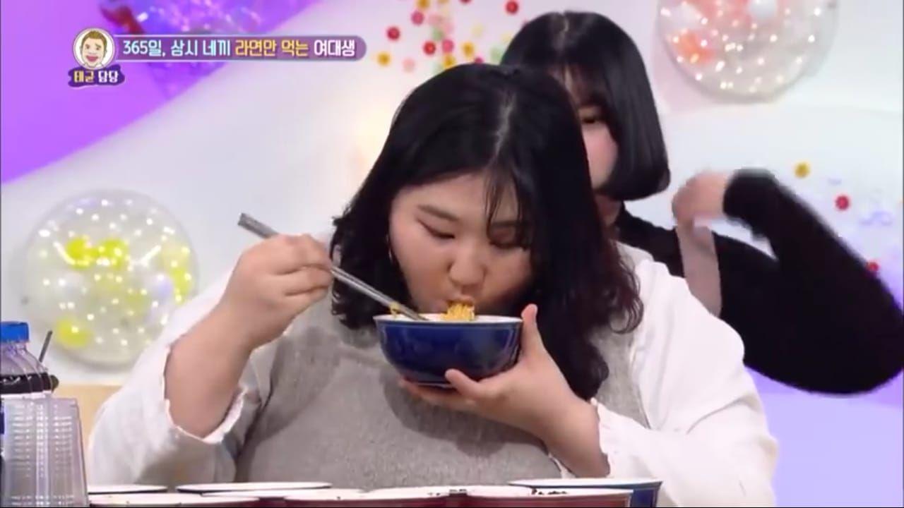 Ngeri! Terlalu Banyak Makan Mie Wanita Ini Alami Obesitas Hingga Sesak Nafas