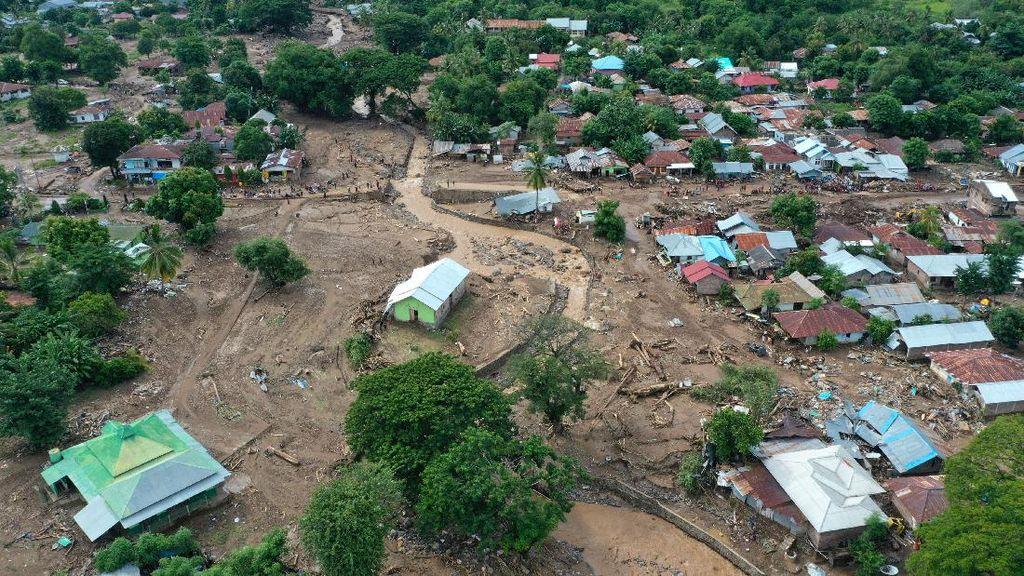 Update Bencana Banjir Bandang dan Longsor di NTT-NTB: 167 Tewas, 45 Hilang