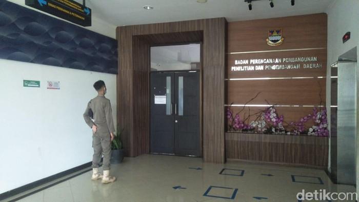 KPK Geledah Kantor Dinas Pemda KBB