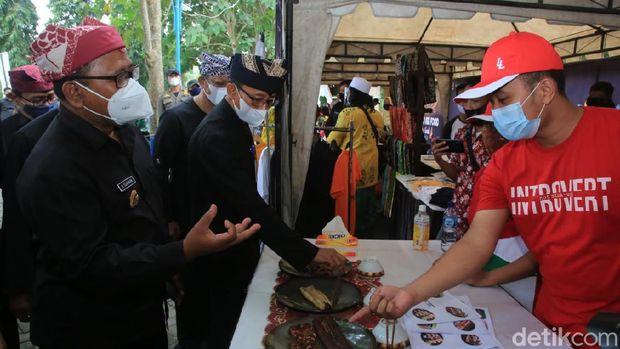 Oling River Food Festival