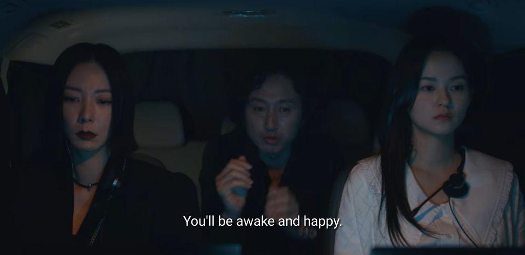 Permen Kopiko dalam Drama Korea Vincenzo di Episode 14.
