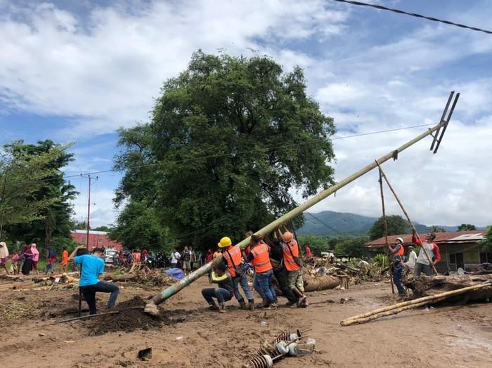 PT Perusahaan Listrik Negara (Persero) telah memulihkan 359 gardu listrik yang terdampak badai siklon tropis Seroja di Nusa Tenggara Timur (NTT).