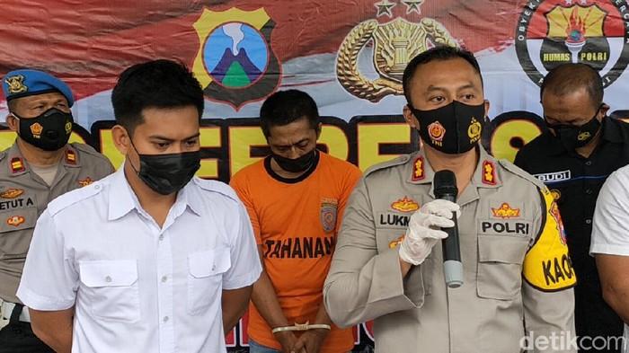 Kasus suami jual istri di Kediri terbongkar. Pelaku sudah 5 kali menjual istrinya ke lelaki hidung belang selama pandemi COVID-19.