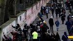 Ribuan Tanda Hati Untuk Korban COVID-19 di Inggris