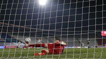 Sepatu Penghalau Gol Cristiano Ronaldo Dilelang untuk Amal