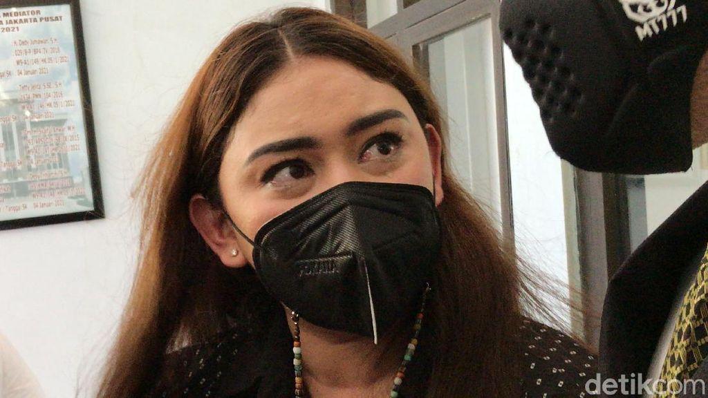 Thalita Latief Dapat Hak Asuh Anak, Dennis Lyla Keberatan