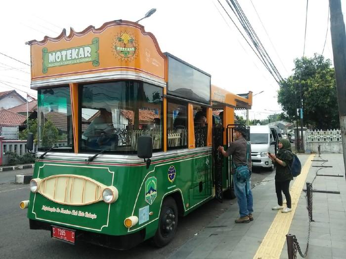 Bus Motekar di Majalengka