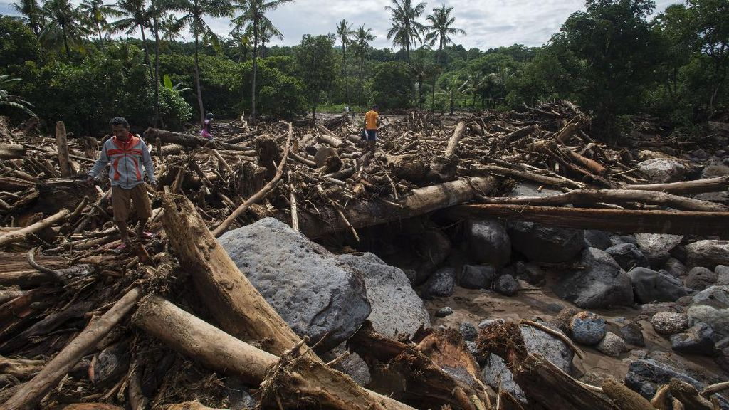 Hoax Banjir Susulan Bikin Warga NTT Panik Berlarian