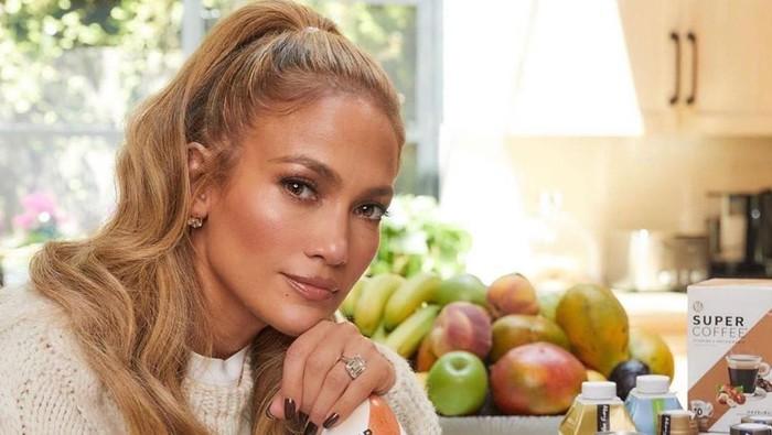 Jennifer Lopez Ramping dan Seksi di Usia 51, Intip Pola Makannya
