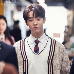 8 Potret Lee Tae Vin, Eks Idol KPop yang Jadi Bintang The Penthouse 2
