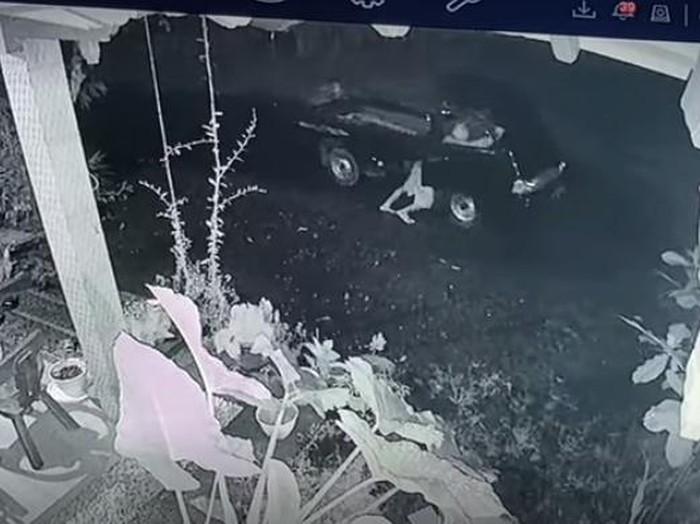 Maling mobil pikap di Jepara, Jawa Tengah, terekam kamera CCTV, Rabu (7/4/2021).