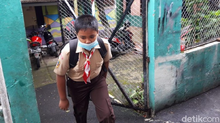 SDN Cipete Utara 15, Jaksel, menyelenggarakan uji coba pembelajaran tatap muka. (Rakha Ariyanto Darmawan/detikcom)