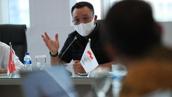 Komite Olimpiade Indonesia (KOI) masih menunggu regulasi dari Panitia Penyelenggara Olimpiade dan Paralimpiade 2020 Tokyo (TOGOC) terkait pembatasan tamu luar.