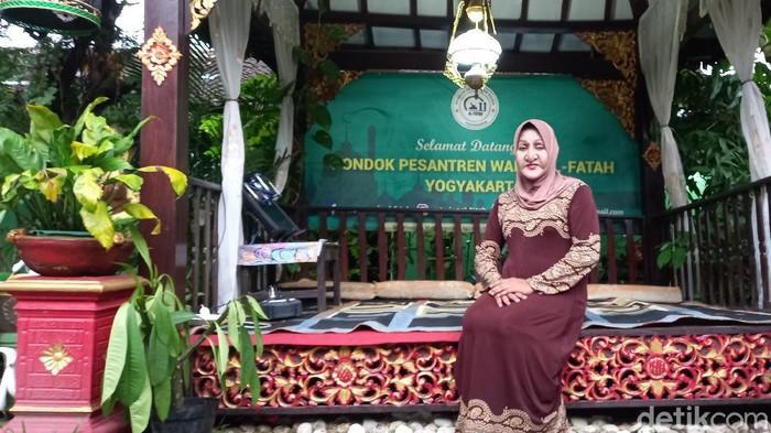 Shinta Ratri, transgender penggerak Pesantren Al-Fatah Yogyakarta, Rabu (7/4/2021).