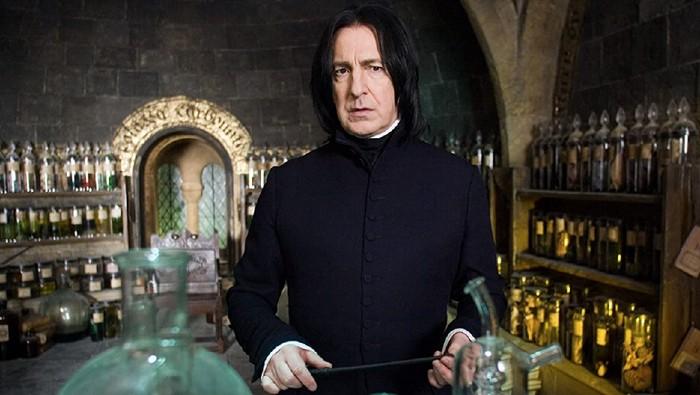 Alan Rickman pemeran Severus Snape di Harry Potter.