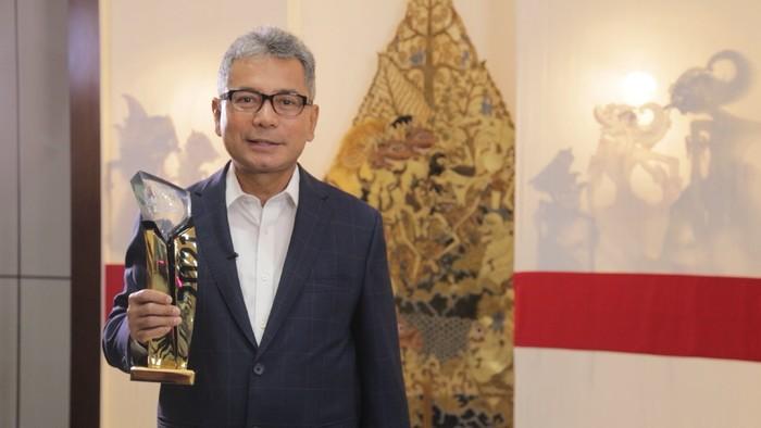 Direktur Utama BRI Sunarso Dapat Penghargaan The Best CEO