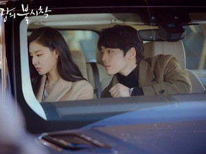 Kim Jung Hyun dan Kisah Cinlok Para Pemain Crash Landing On You