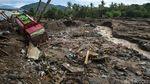 Foto Populer Sepekan: Bencana NTT - Jokowi di Pernikahan Atta-Aurel