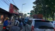 Solusi Macet Tapal Kuda Jaksel: Lebarkan Jalan atau Batasi Kendaraan