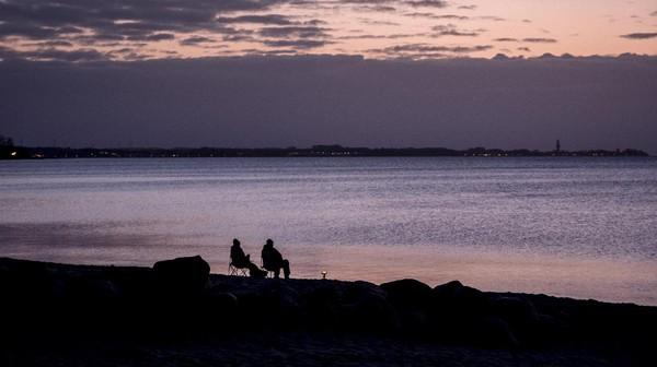 Pantai yang menghadap laut baltik itu tampak indah kala pagi.