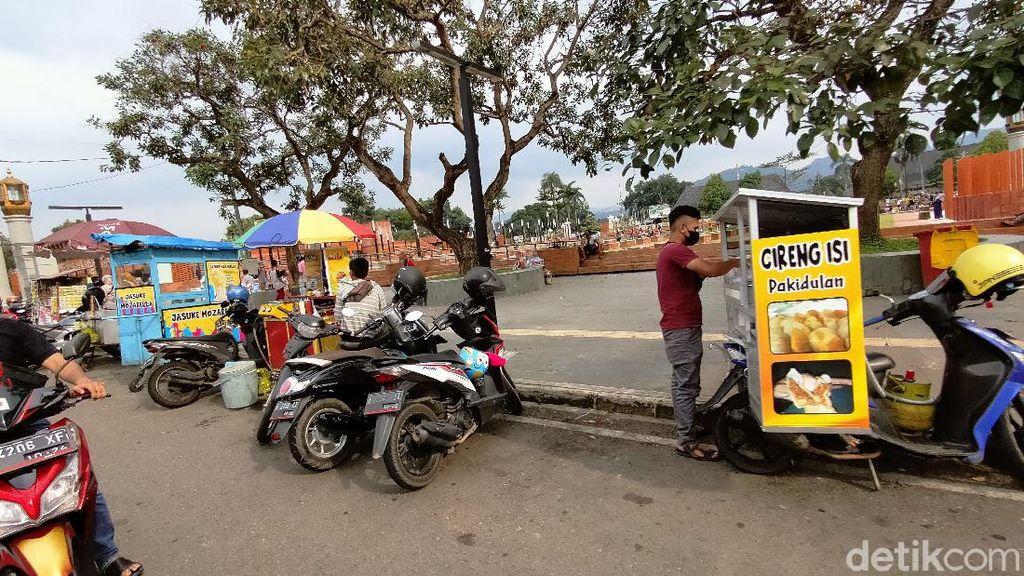 PKL Minta Dibolehkan Jualan di Alun-alun Majalengka Selama Ramadhan