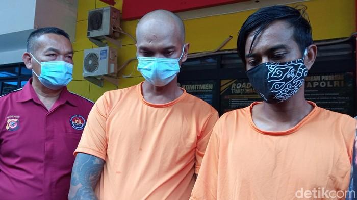 Polisi menangkap preman pemalak teknisi provider di Bandung. Video pemalakan tersebut sebelumnya viral di media sosial (medsos).
