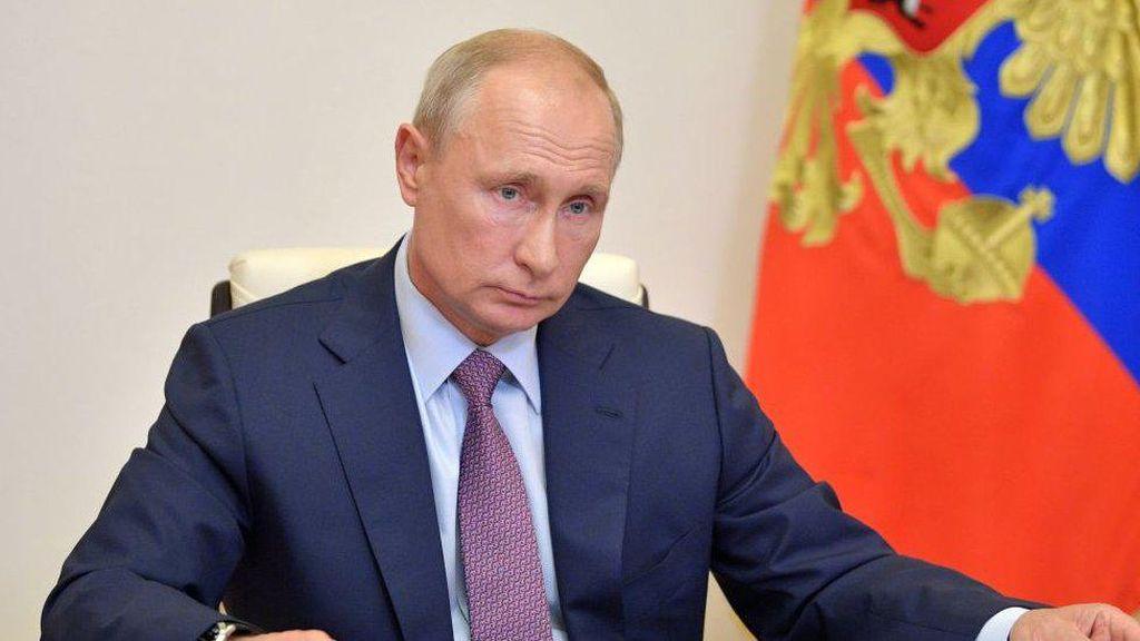 Rusia Mati-matian Lindungi Putin dari COVID-19, Apa yang Dilakukan?