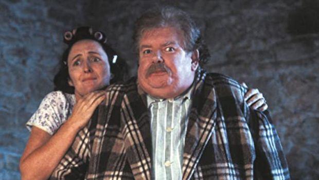 Richard Griffifths dan Fiona Shaw yang tampil sebagai paman dan tante Harry Potter.