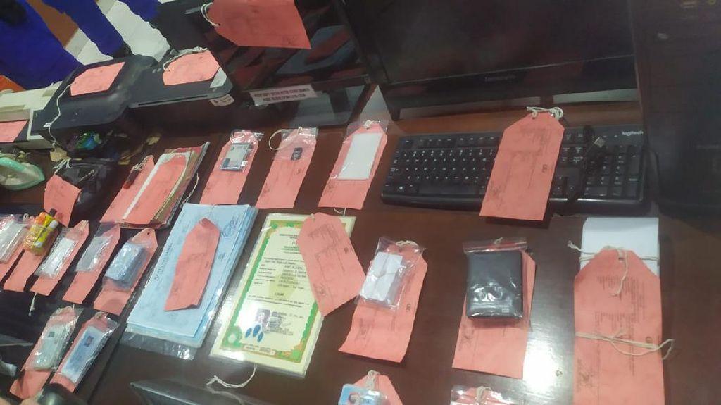 2 Pria di Bali Palsukan Ratusan KTP hingga Ijazah, Dijual ke ABK