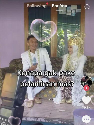 Viral di media sosial pengantin menikah tanpa pelaminan.