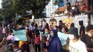 Warga Pancoran Gelar Aksi di Pasar Minggu, Tolak Penggusuran