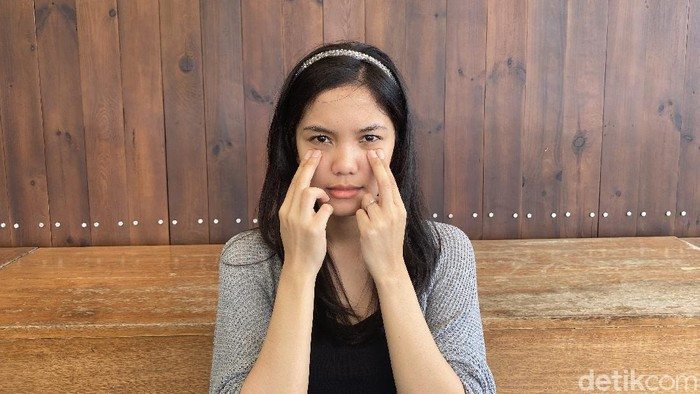 5 Teknik Pijat Wajah untuk Kurangi Stres Menjelang Weekend