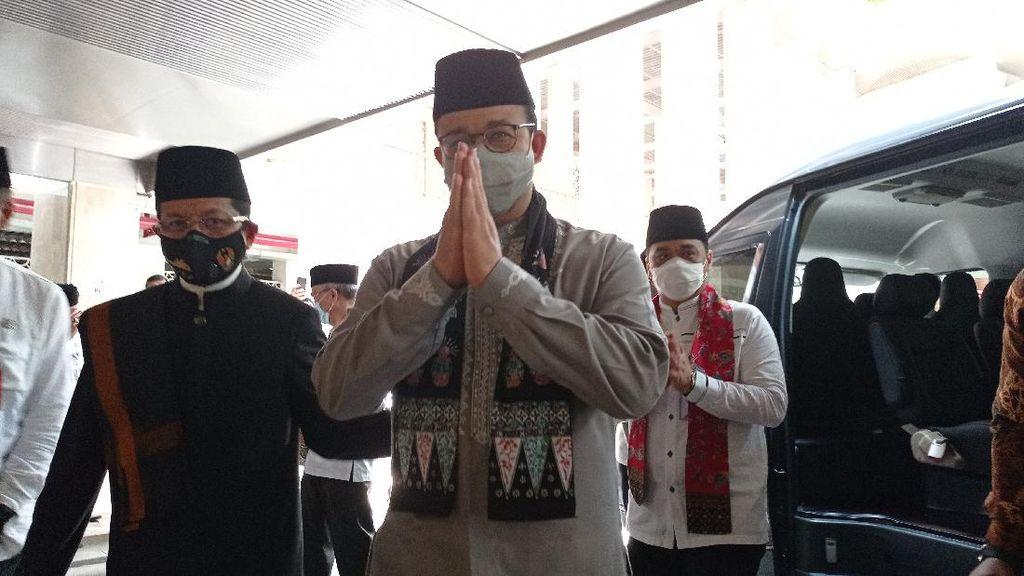 Anies Sarankan Masjid Tak Gelar Bukber