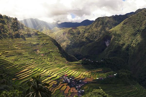 Banaue dikenal sebagai salah satu Situs Warisan Dunia oleh UNESCO dan sering disebut sebagai Keajaibam Dunia ke-8.