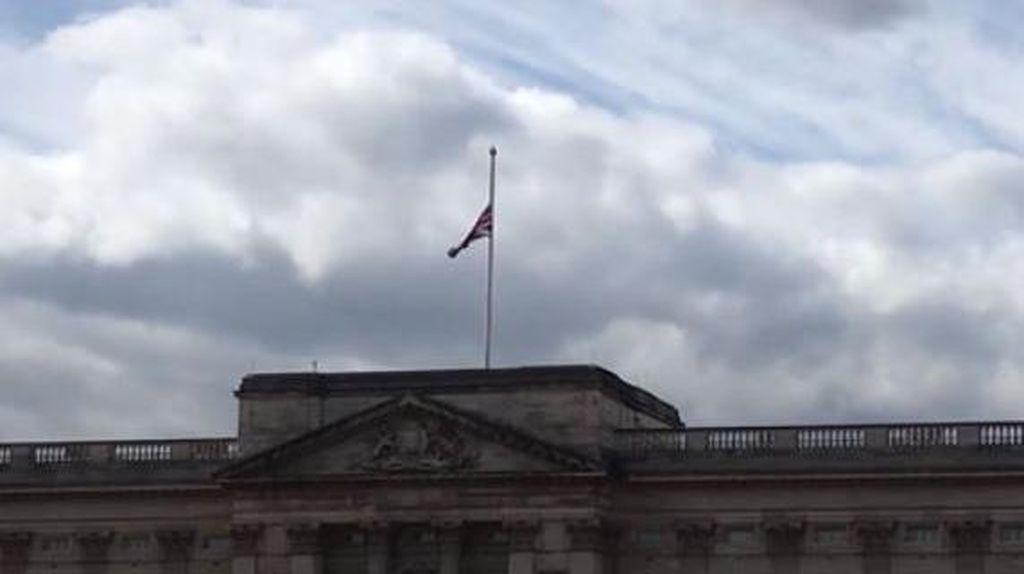Pangeran Philip Meninggal, Bendera Setengah Tiang Dikibarkan