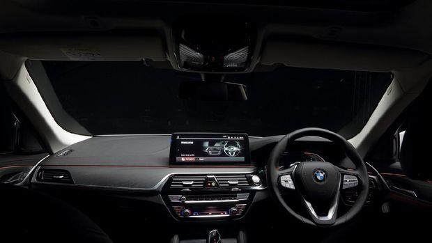 BMW 530i Opulence