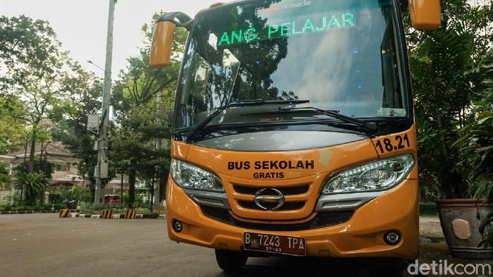 Bus sekolah antar siswa (Andhika/detikcom)