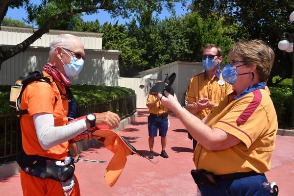 Pada Februari 2020, Muchow memulai apa yang ia namakan tantangan Mouse2Mouse yang pertama, berencana lari dari Disneyland ke Walt Disney World untuk meningkatkan kesadaran tentang penyakit autoimun. Atlet itu jogging di Pantai Newport pada 1 Februari 2020, tetapi berhenti di 1.260 mil di Tarzan, Texas pada 22 Maret ketika pandemi virus corona meningkat.