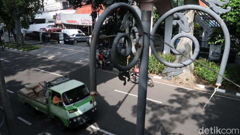 Duh! PJU di Sekitar Balkot Bandung Rusak-rusak