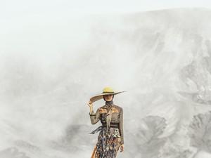 Heaven Lights Rilis Koleksi Baju Lebaran, Fashion Show di Gunung Bromo