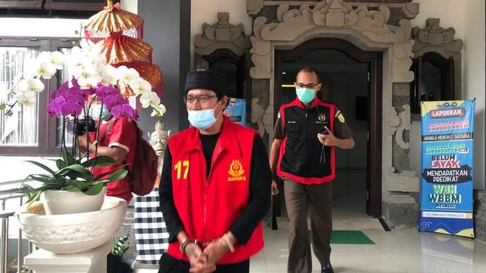 Kades dan 4 warganya di Bali ditahan Kejaksaan usai korupsi dana bedah rumah Rp 20,2 M (dok. Istimewa).