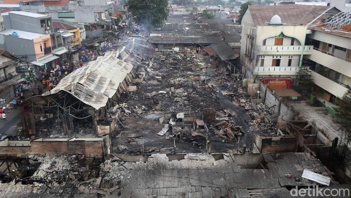 Pasar Kambing, Tanah Abang, Jakarta, terbakar pada Kamis (8/4) sore. Begini kondisi pasar yang ludes terbakar.